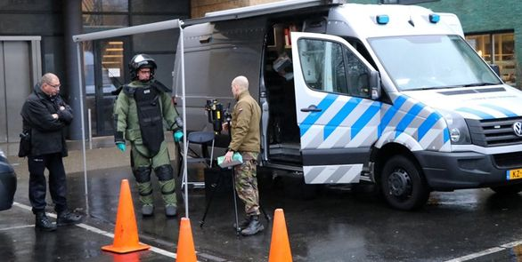 انفجار دو بسته پستی حاوی بمب در اداره پست در هلند