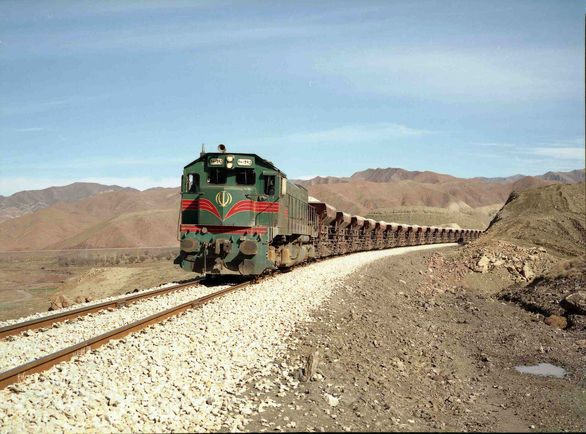 خروج دیزل قطار زاهدان - تهران از ریل خسارت جانی نداشت