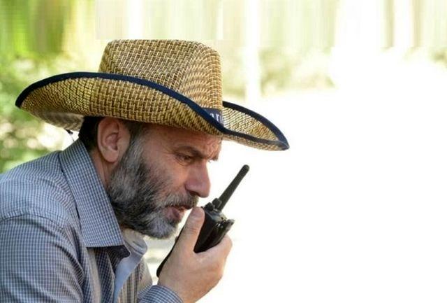 وقتی مسعود ده نمکی در ساختمان اسلحه به دست می گیرد / ببینید