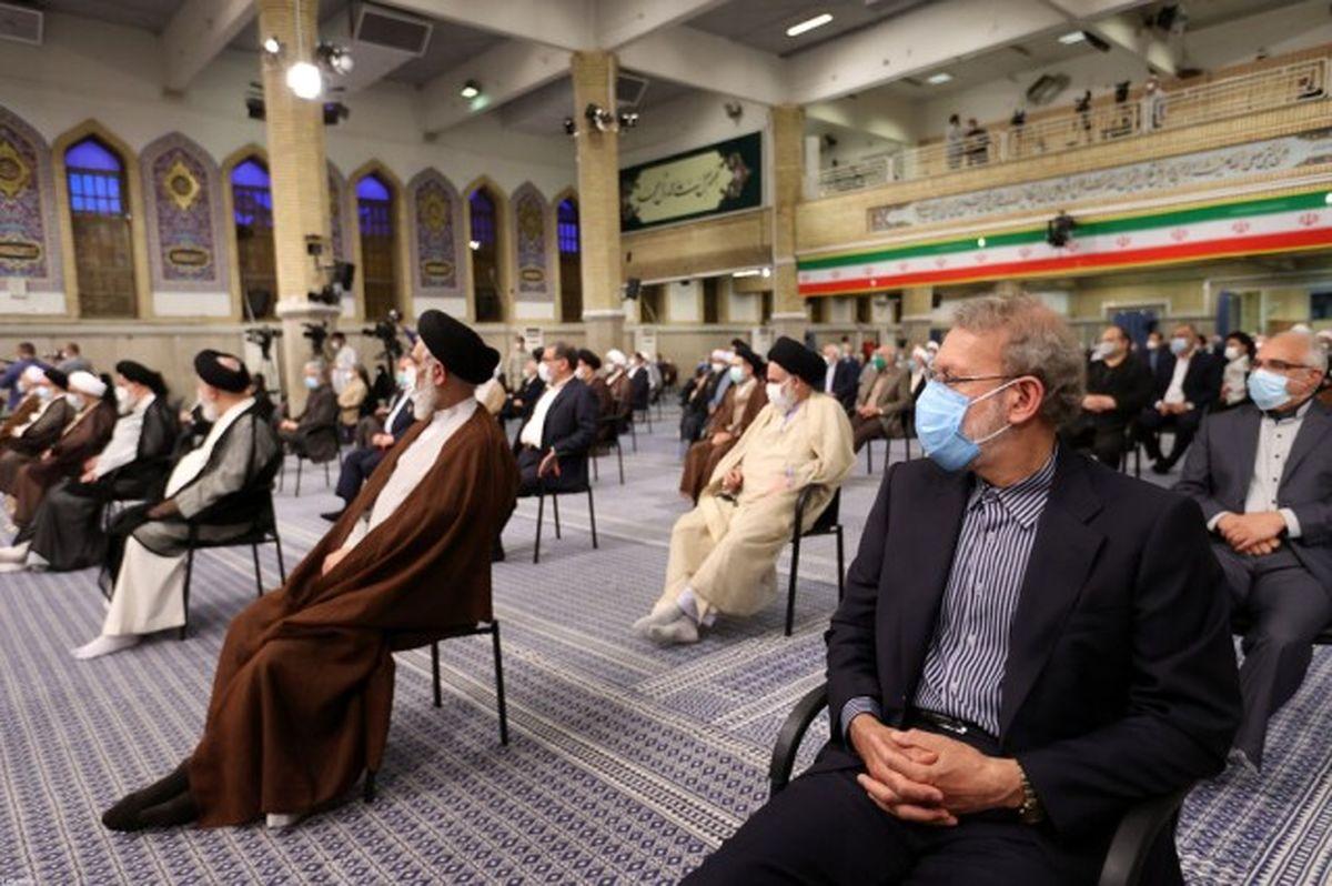 غیبت علی لاریجانی و احمدی نژاد در مراسم تحلیف رئیسی + فیلم