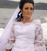 ازدواج عجیب و خنده دار زنی با یک روح ! + عکس مراسم عروسی