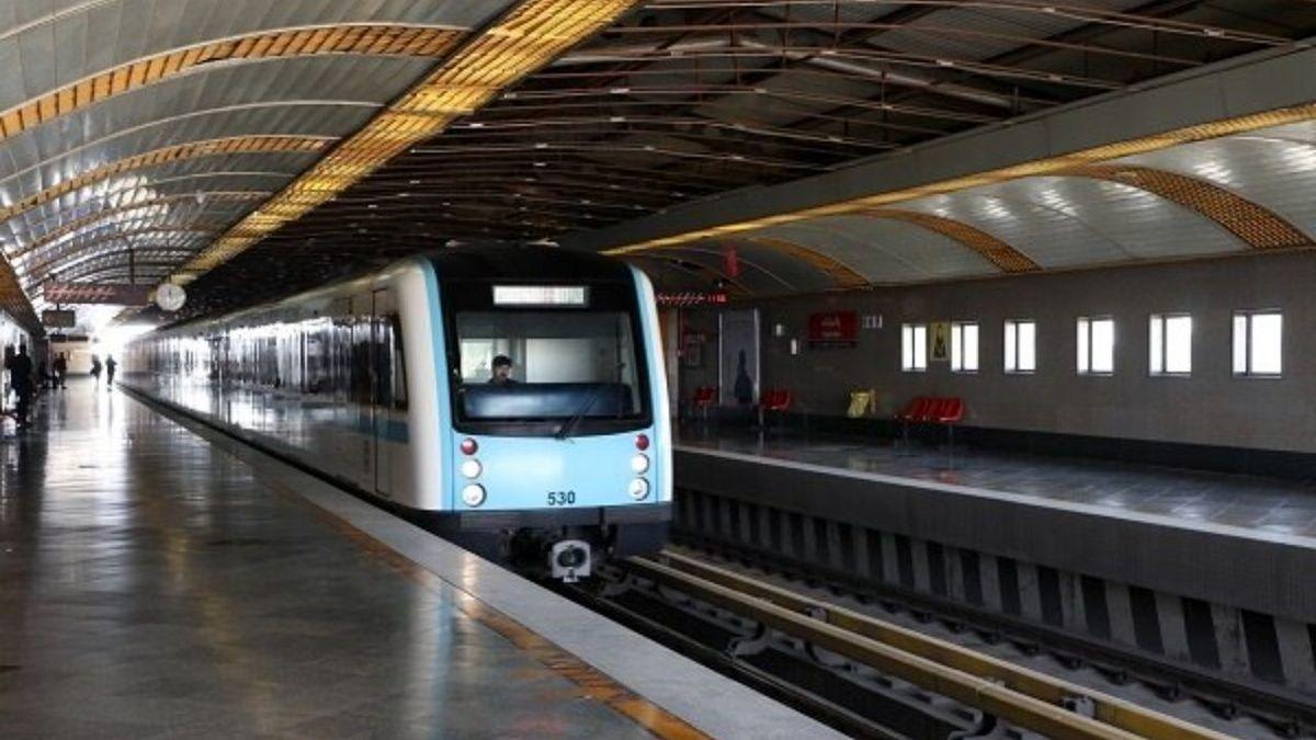 کاهش ۱۰۰ هزار نفری مسافران مترو با کاهش ساعت