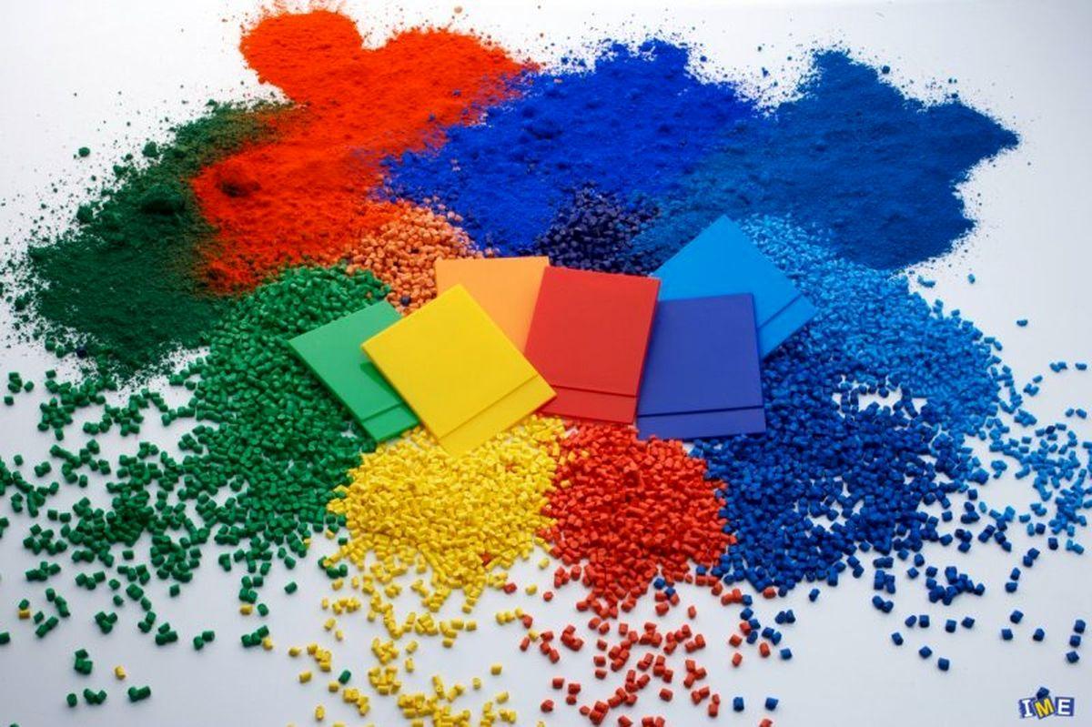 ۵۶ هزار تن مواد پلیمری روی میز فروش می رود