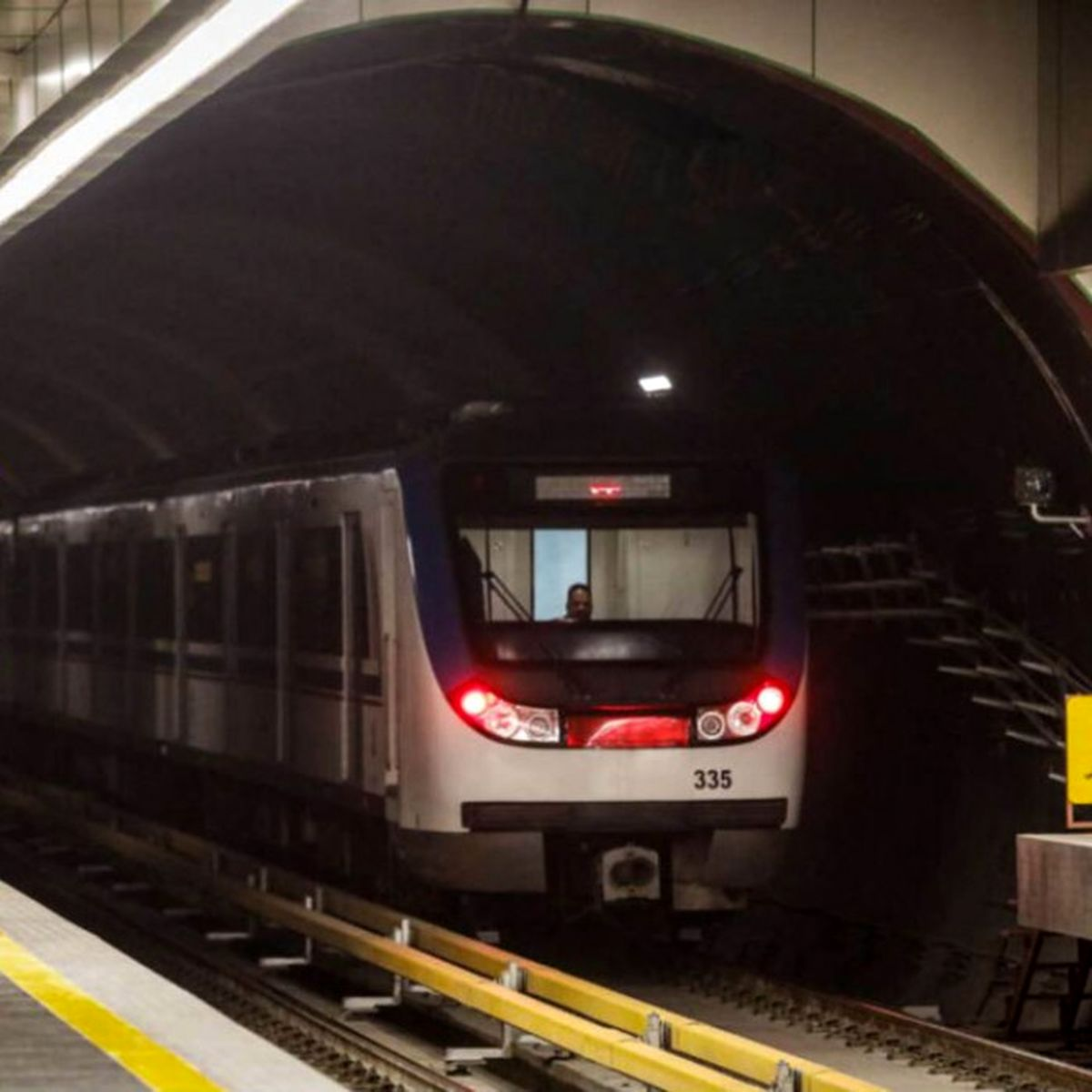 فوری/ نقص فنی در متروی ارم سبز | مسافران قطار را تخلیه کردند