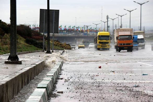 نکات مهم برای رانندگی در شرایط بارانی