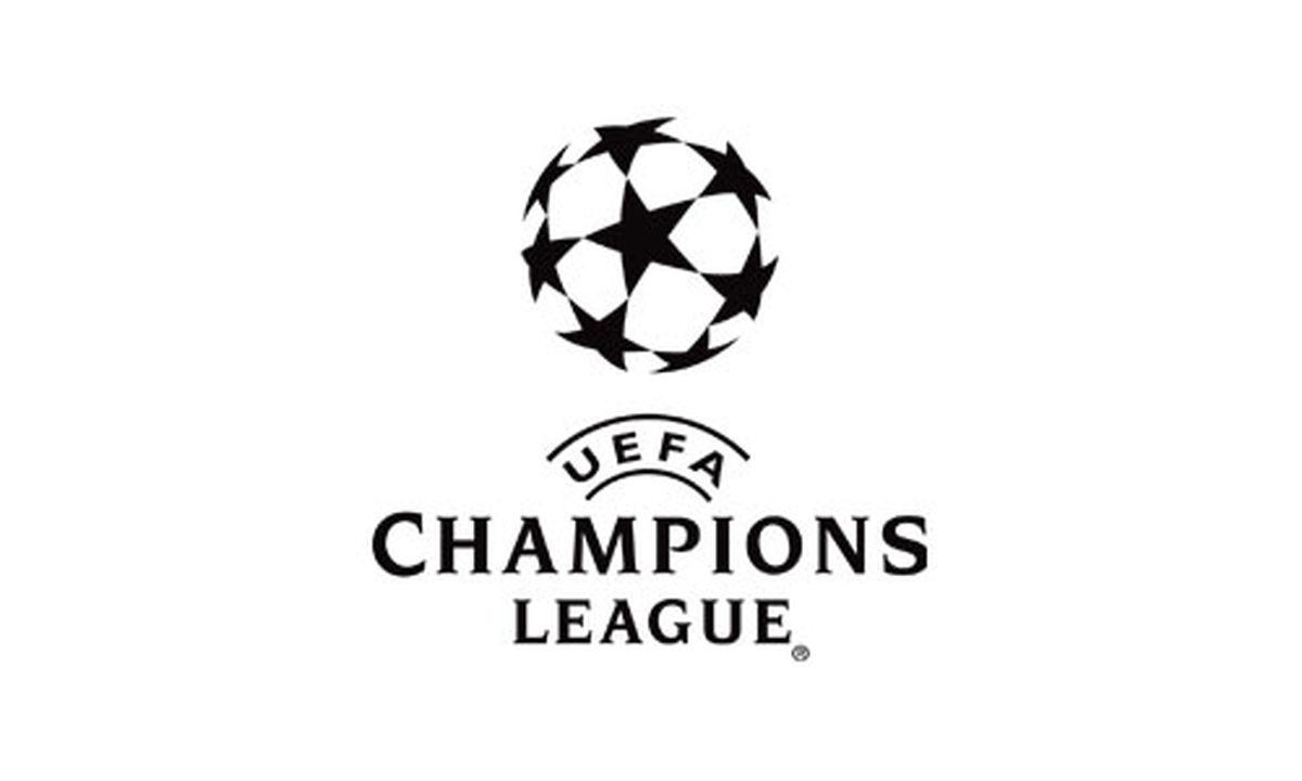 گاف بزرگ اروپاییها | مربی کرونایی در کنار زمین مسابقه فوتبال
