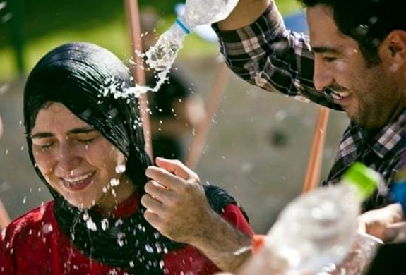جنجال نوید محمد زاده و باران کوثری در پشت صحنه فیلم + تصاویر و بیوگرافی