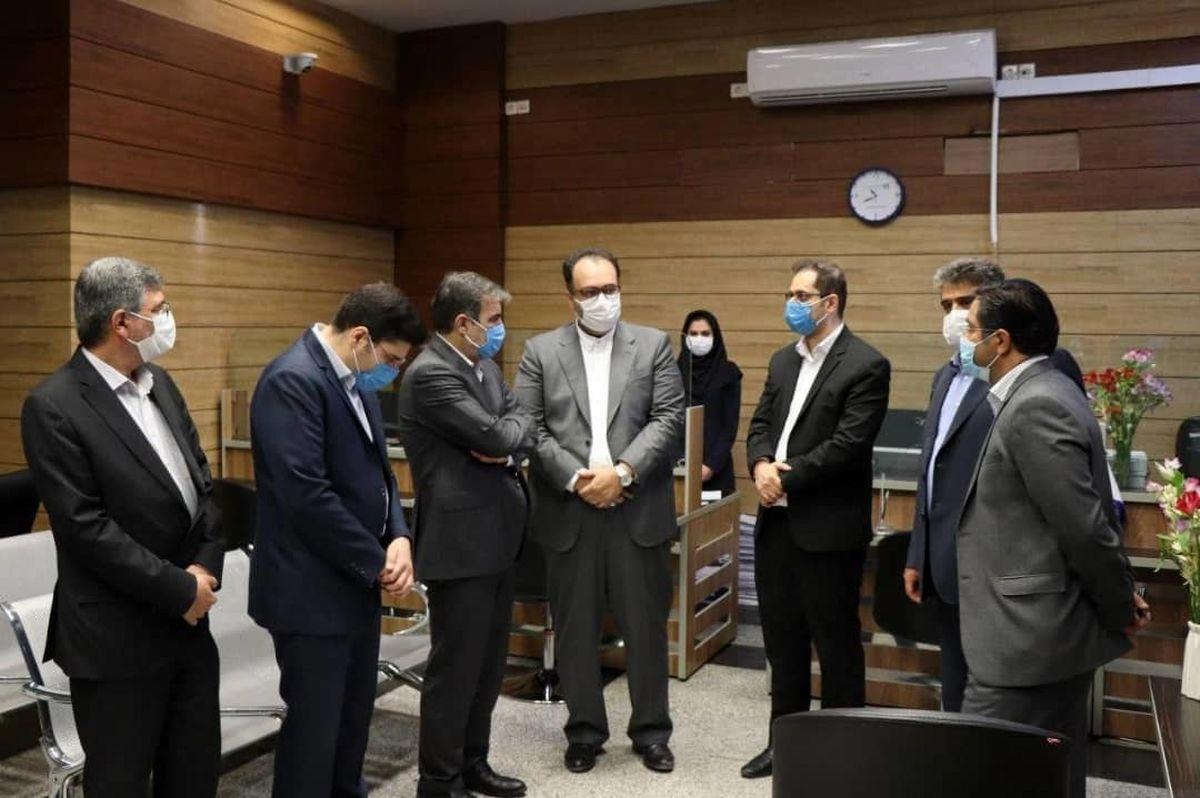 بازدید مدیرعامل شرکت سهامی بیمه ایران از کارگزاری بورس بیمه ایران
