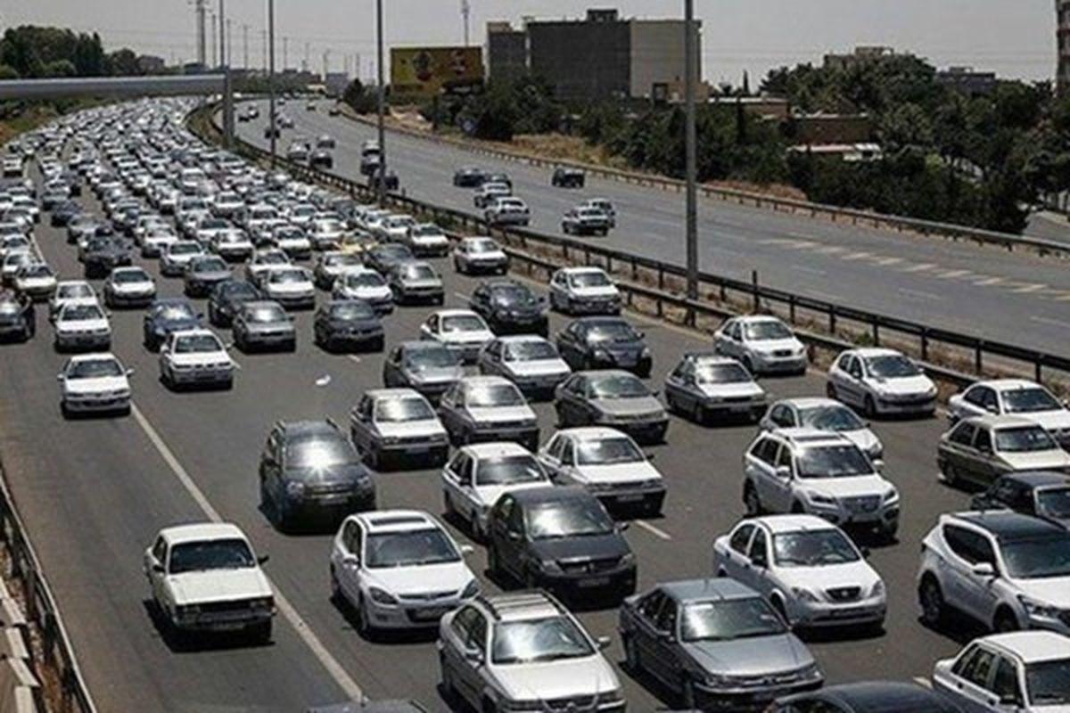 هجوم مردم به آزادراه تهران ـ کرج