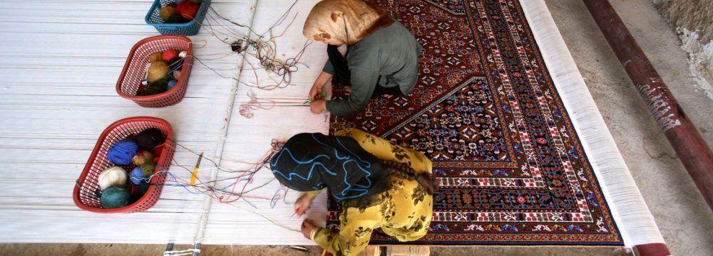 چه چیزی فرش دستباف ایرانی را خارق العاده میکند؟/ جایگاه فرش در اقتصاد کشور