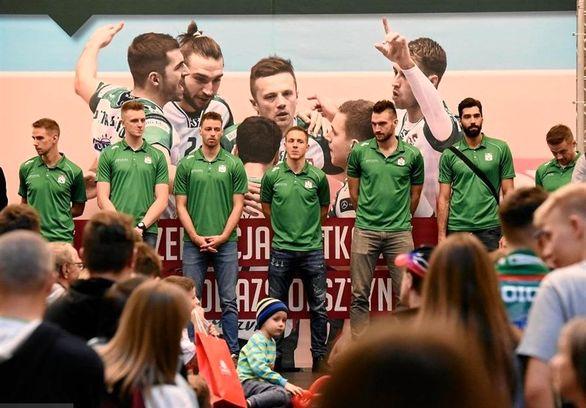 استقبال هواداران والیبال لهستان از ستاره ی ایرانی