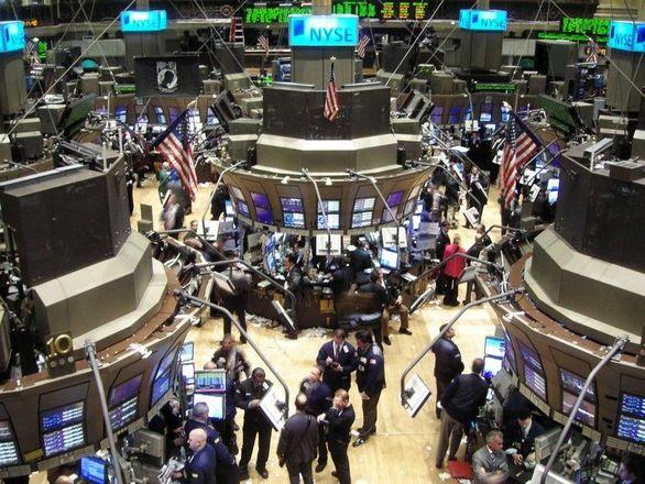 سهام شرکتهای انرژی به دلیل تأثیر منفی کرونا بر قیمت نفت سقوط کرد