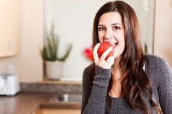 فواید خاصی از ناشتا خوردن سیب
