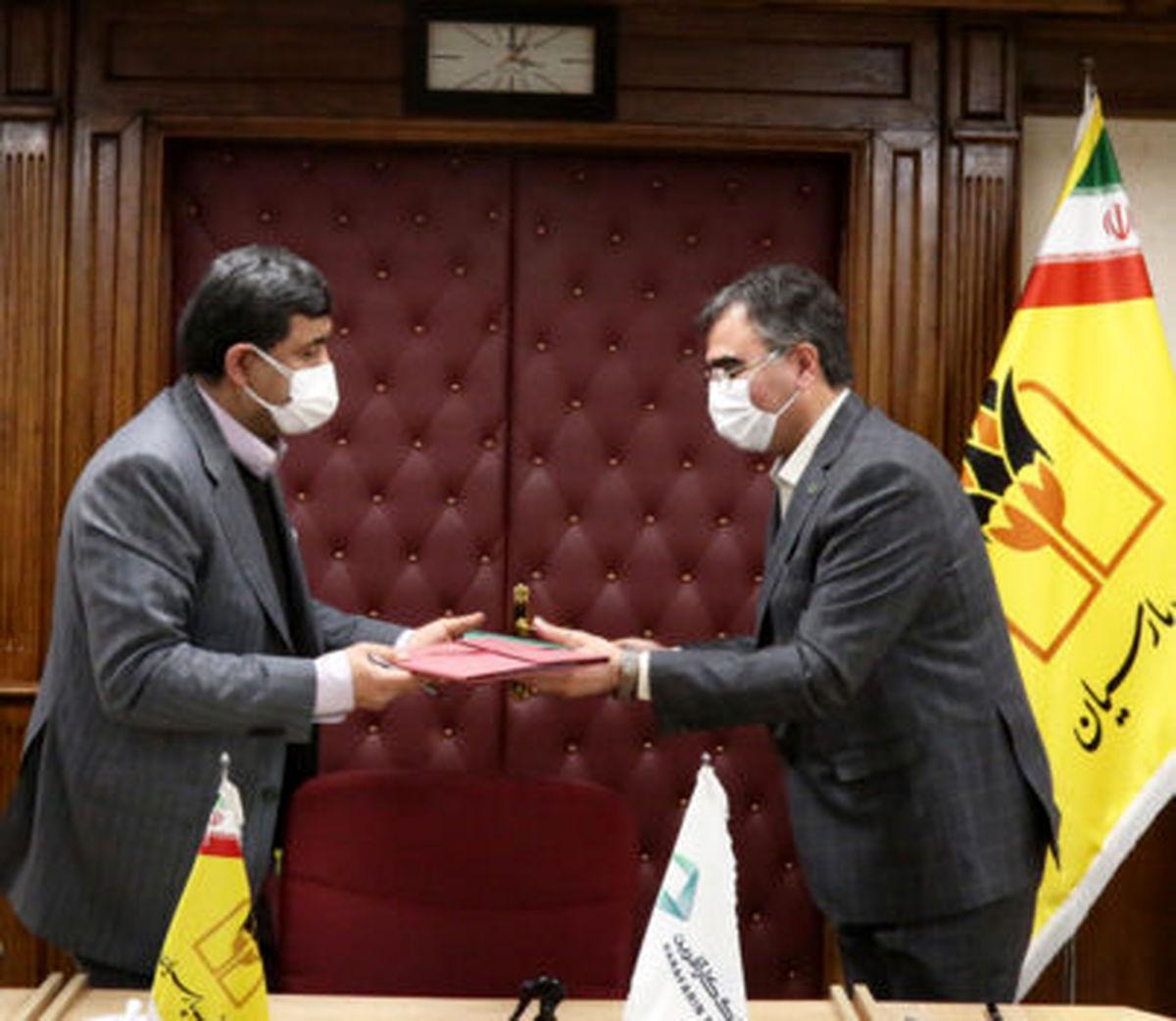 امضای تفاهم نامه همکاری بین بانک های کارآفرین و پارسیان