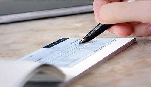 تعیین سازوکار استفاده از چک توسط مجلس