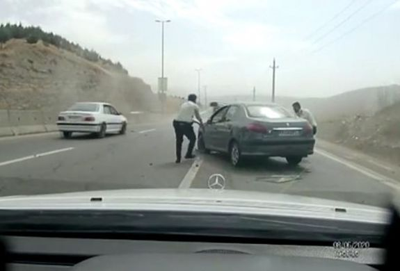 تیراندازی هیجان انگیز پلیس در پی دستگیری دزد جسور در جاده جاجرود + فیلم هیجان انگیز