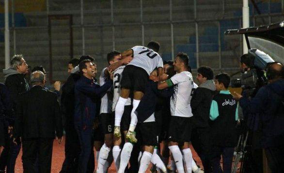تعویض طلایی برای تیمی که در لیگ برتر نمیبازد + عکس