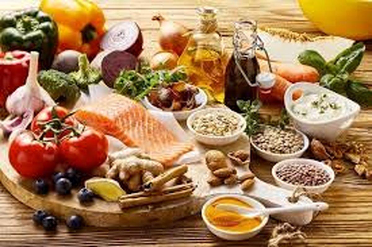 ۸ ماده غذایی که نباید در یخچال نگهداری شوند