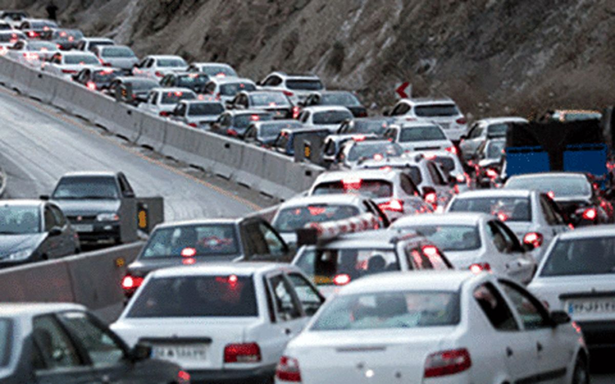 ترافیک نیمهسنگین و پر حجم به سمت شهرهای شمالی
