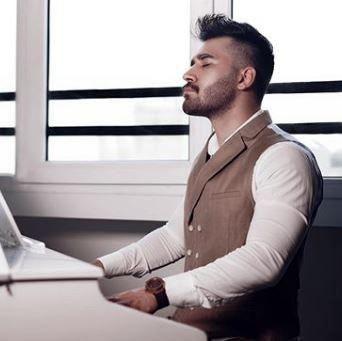 بیوگرافی کامل علی یاسینی خواننده جوان و محبوب با سبک خاص