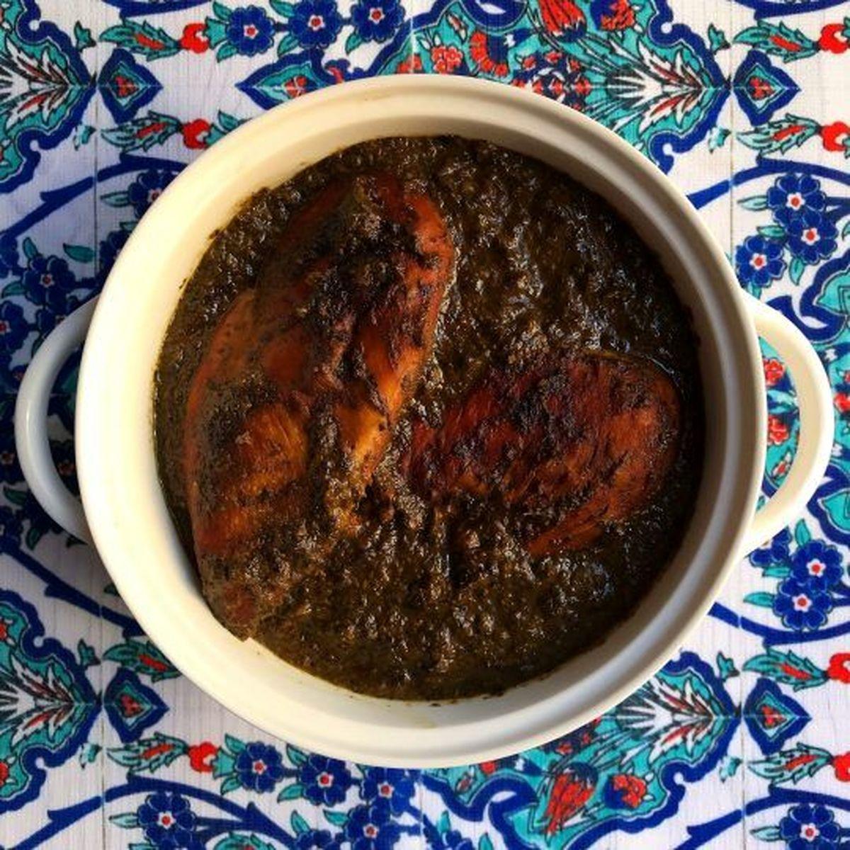 طرز تهیه و پخت مرغ ترش مازندرانی + مواد لازم