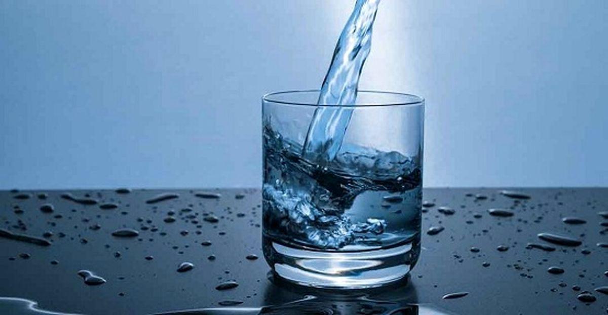 چطور با آب خوردن لاغر شویم؟