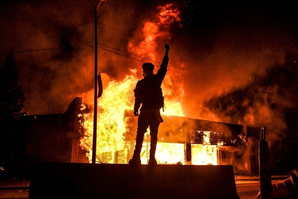 2020;  Year of protests in Europe and America + photos