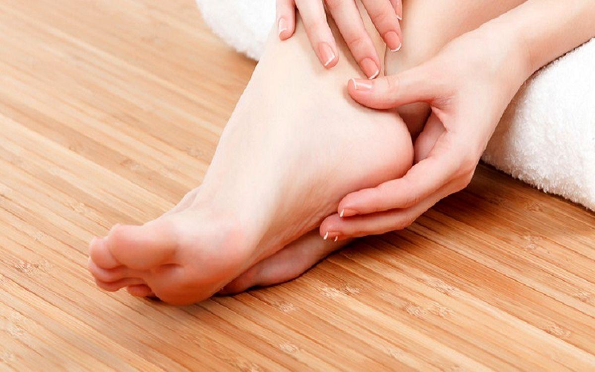 ترک پا را  با این روش ها در خانه از بین ببرید