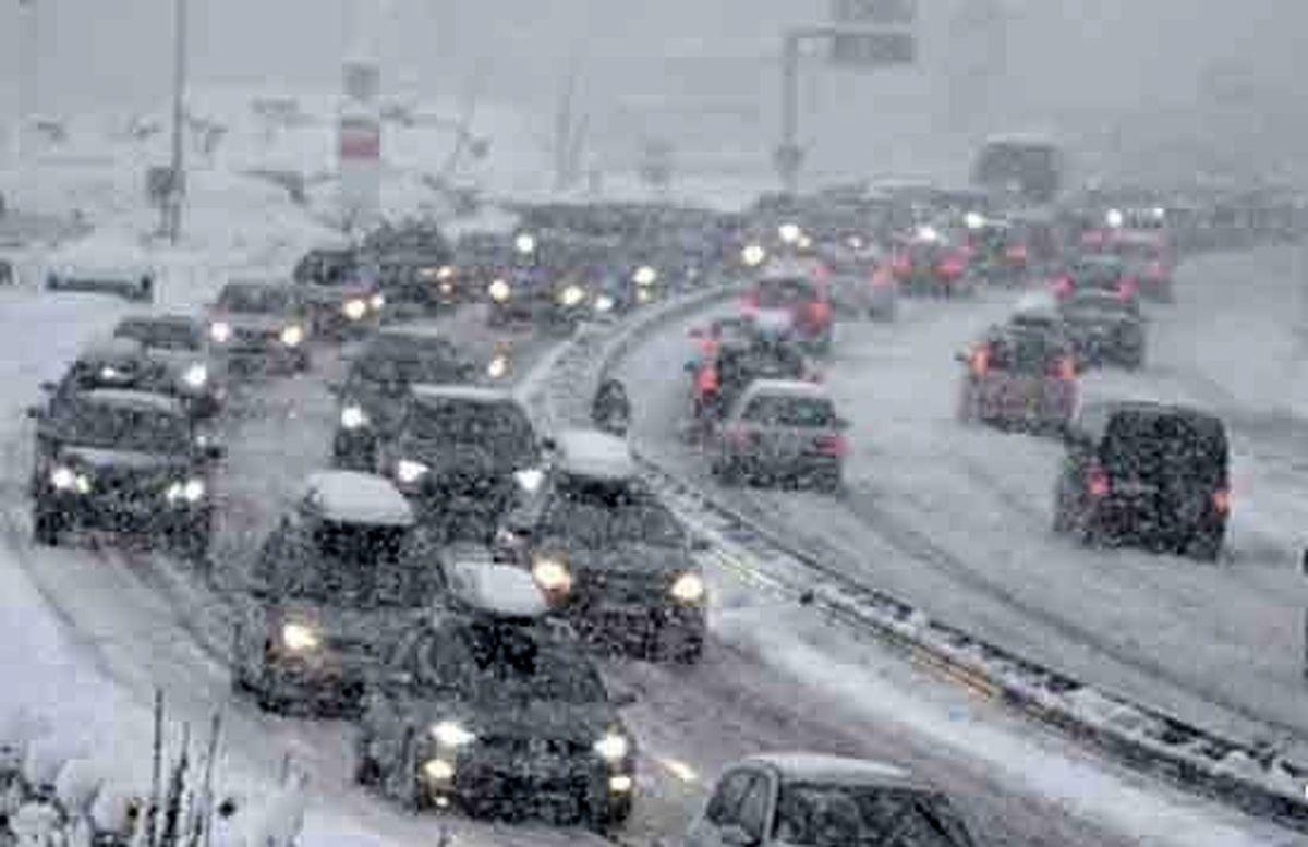 برف و کولاک شدید در جادهها تا روز چهارشنبه