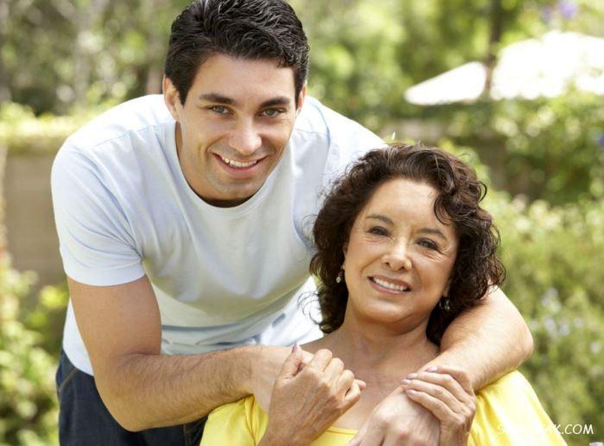 رابطه نامشروع پسر با مادرش جنجال به پاکرد + جزئیات