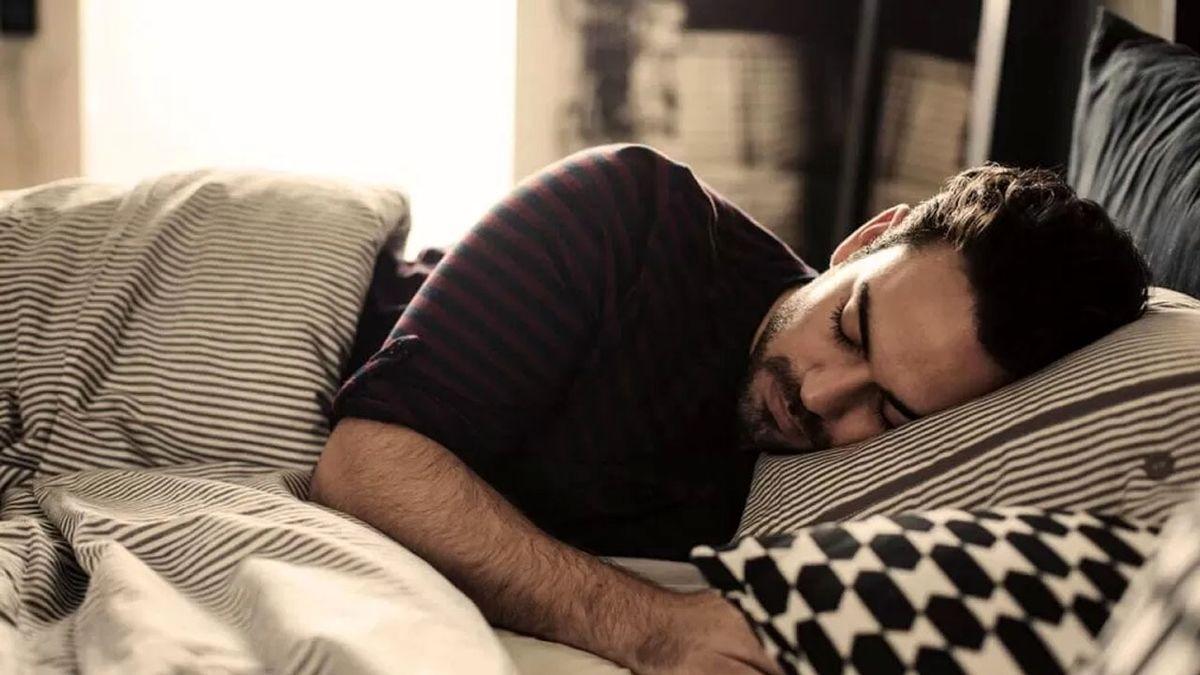 بدنمان از چه ساعتی به خواب شبانه احتیاج دارد؟