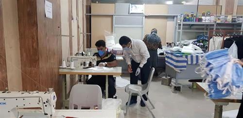 راه اندازی کارگاه تولید ماسک با حضور کارکنان داوطلب سازمان منطقه ویژه پارس در شهر جم