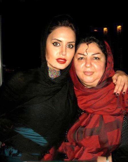 عکس الناز شاکردوست در کنار مادرش