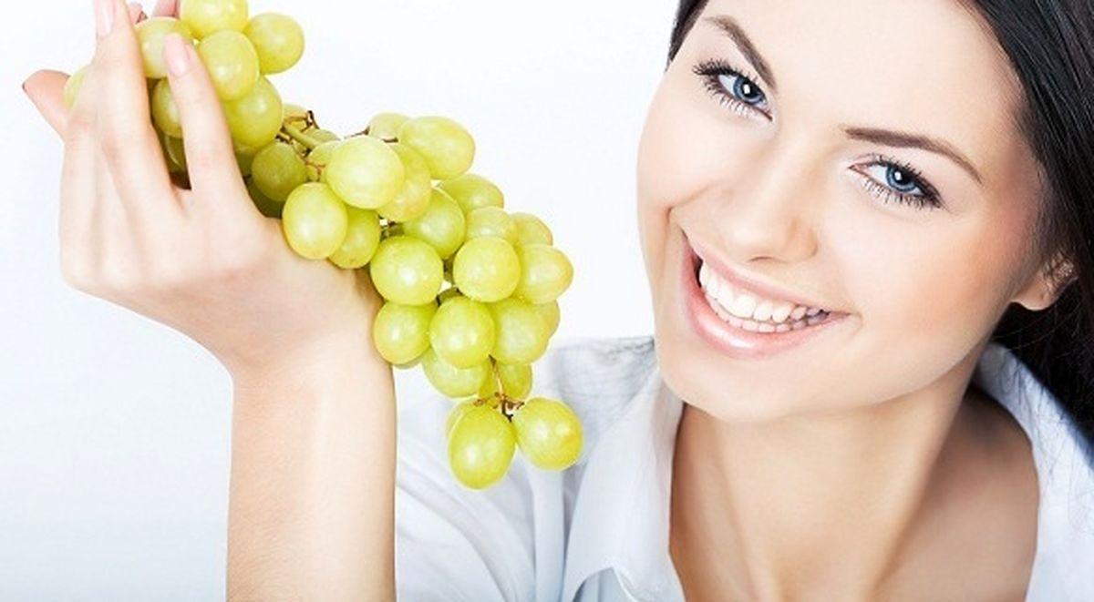 آموزش و طرز تهیه ماسک انگور برای شادابی پوست + 3 روش تهیه