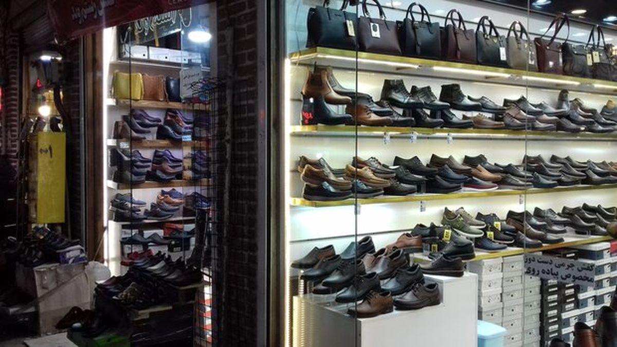 کفشهای چینی وارد می شود