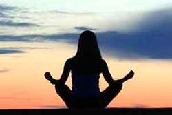اثرات جالب یوگا بر زندگی زنان یائسه