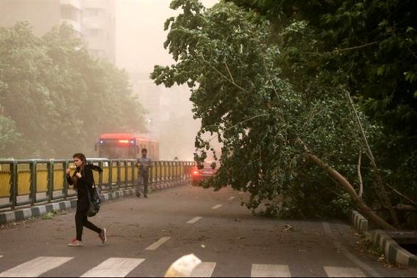 وزش باد شدید در تهران از بعدازظهر جمعه 3 خرداد