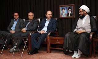 دیدار مدیر عامل بیمه آسیا با نماینده ولی فقیه در استان همدان